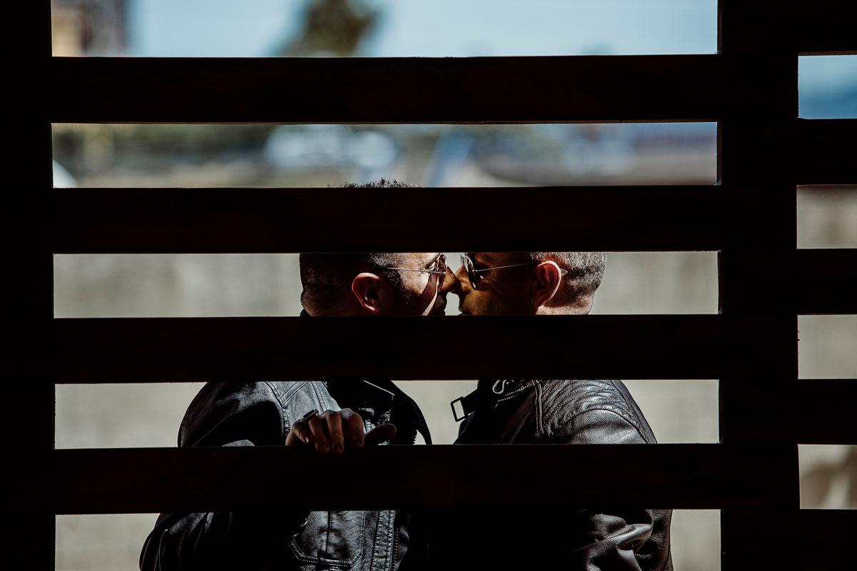 Fotografia de parejas naturales sesión probada de chicos en Málaga